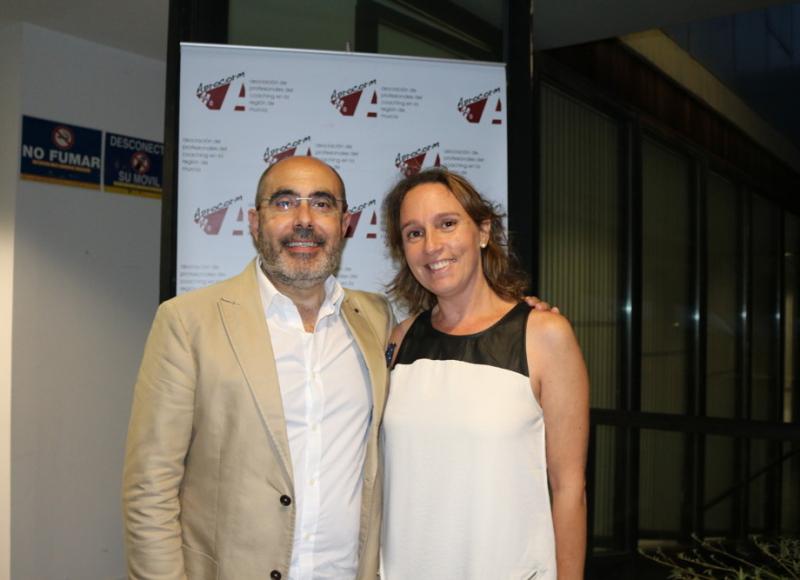 Fernando Botella junto a Barbara Hernandez